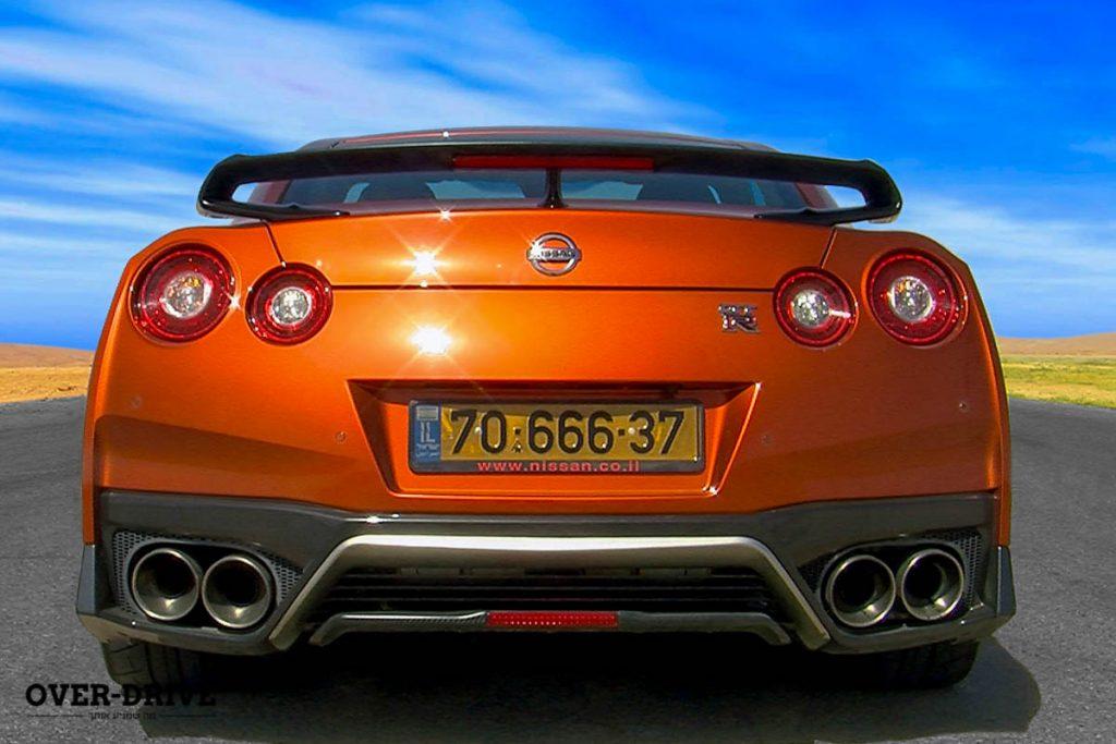 ניסאן GTR