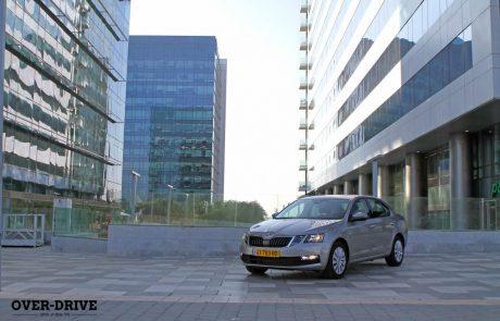 נהיגה ראשונה: סקודה אוקטביה 1.0 ליטר ׳אמבישן׳