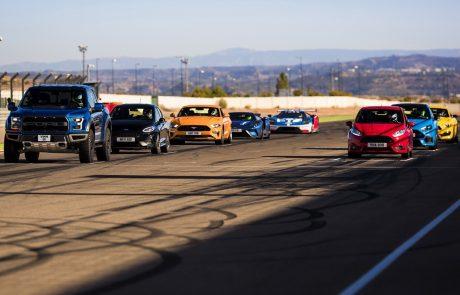 שמונה מכוניות, מסלול אחד, בלי שום מטרה